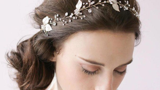 Valérie Valentine propose une multitude de bandeau cheveu de mariage